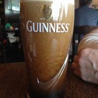 Foto diambil di Shannon's Irish Bar oleh Lady R. pada 3/10/2012