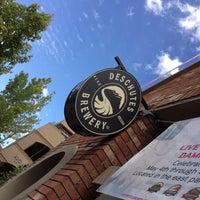 6/24/2012 tarihinde PaPayaziyaretçi tarafından Deschutes Brewery Bend Public House'de çekilen fotoğraf