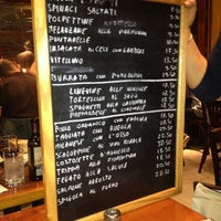 Photo prise au Bar Pitti par Tom C. le4/20/2012