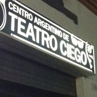รูปภาพถ่ายที่ Centro Argentino de Teatro Ciego โดย Tomakio เมื่อ 3/4/2012