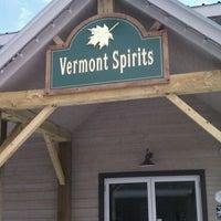 รูปภาพถ่ายที่ Vermont Spirits Distillery โดย Gene S. เมื่อ 3/10/2012