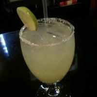 รูปภาพถ่ายที่ Iron Cactus Mexican Restaurant and Margarita Bar โดย l F. เมื่อ 6/24/2012