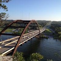 Снимок сделан в 360 Bridge (Pennybacker Bridge) пользователем Shawn C. 3/24/2012