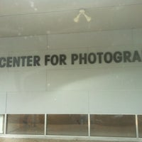 Foto scattata a Houston Center for Photography da Joseph E. il 7/14/2012