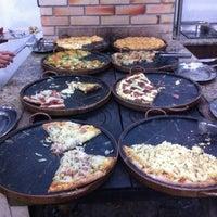 6/7/2012 tarihinde Christiane L.ziyaretçi tarafından Pizzaria Falcone'de çekilen fotoğraf