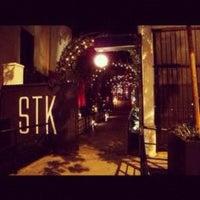 Снимок сделан в STK LA пользователем Keshia A. 2/10/2012