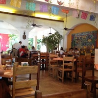 Foto diambil di La Choza oleh Gisell D. pada 4/23/2012