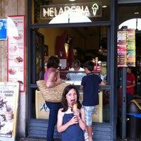 รูปภาพถ่ายที่ Cafeteria Altamira โดย Iñigo S. เมื่อ 6/3/2012