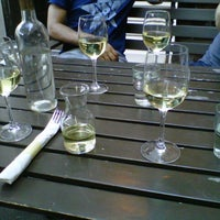 Foto tomada en OAK Restaurant & Wine Bar por Maria el 9/9/2012