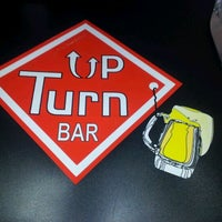 Foto tirada no(a) Up Turn Bar & Lounge por Marcos P. em 2/14/2012