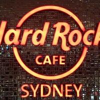 Foto tirada no(a) Hard Rock Cafe Sydney por Yuth™ D. em 3/17/2012