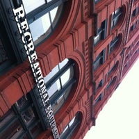 รูปภาพถ่ายที่ REI โดย John H. เมื่อ 3/1/2012