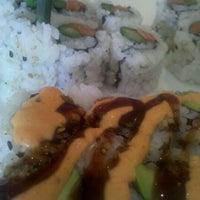 Foto tirada no(a) Samurai Sushi por Bethany R. em 5/25/2012