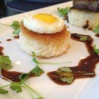 7/30/2012 tarihinde AlmostVeggies.comziyaretçi tarafından Second Floor Regionally Inspired Kitchen'de çekilen fotoğraf
