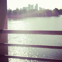 8/30/2012にYaneli H.がLady Bird Lake Trailで撮った写真