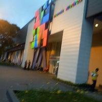 รูปภาพถ่ายที่ Shopping Metrópole โดย Wilamis S. เมื่อ 8/28/2012