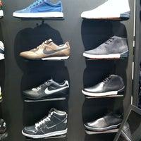 Снимок сделан в Nike Store пользователем Manuel T. 3/23/2012