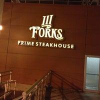Foto tirada no(a) III Forks Prime Steakhouse por Rasheed B. em 3/17/2012