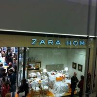 e7be2cc2bf4 Foto tirada no(a) Zara Home por Vanderos C. em 6 23 ...