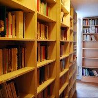 8/16/2012에 Çisem님이 Merkez Kütüphane에서 찍은 사진