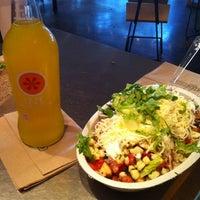 Foto tirada no(a) Chipotle Mexican Grill por Babar R. em 7/16/2012