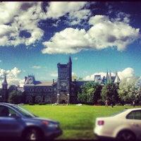Foto tomada en Universidad de Toronto por Mary K. el 8/17/2012