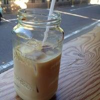 Foto scattata a Little Nap COFFEE STAND da Toko S. il 8/21/2012