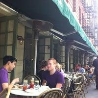 Foto diambil di Isabella's oleh Ramya V. pada 5/27/2012