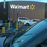 Снимок сделан в Walmart Supercenter пользователем 💋TASHA💋 4/21/2012