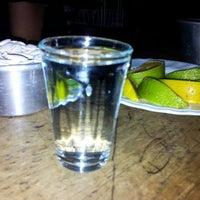 รูปภาพถ่ายที่ La Clandestina โดย Gustavo C. เมื่อ 5/5/2012
