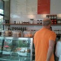 8/5/2012 tarihinde Adela P.ziyaretçi tarafından Little Italy'de çekilen fotoğraf