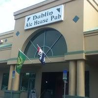 Foto diambil di Dublin Ale House Pub oleh Jim S. pada 5/14/2012