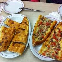 5/20/2012 tarihinde Flávia T.ziyaretçi tarafından Karadeniz Pide Salonu'de çekilen fotoğraf