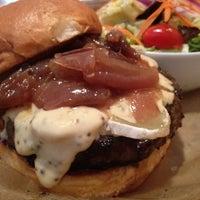 Das Foto wurde bei Burger Bar von Hans L. am 2/14/2012 aufgenommen