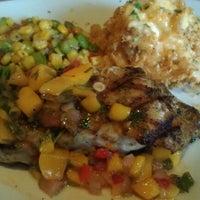 Foto scattata a Bonefish Grill da Heather B. il 8/6/2012