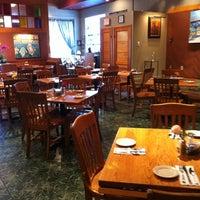 Foto tirada no(a) Irregardless Cafe por Nam P. em 4/8/2012