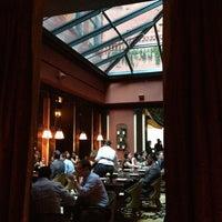 รูปภาพถ่ายที่ The NoMad Hotel โดย Liz M. เมื่อ 6/15/2012