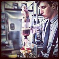 Foto tomada en Intelligentsia Coffee & Tea por Atma .. el 5/21/2012
