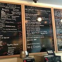 Foto diambil di U Street Café oleh Phil R. pada 4/20/2012