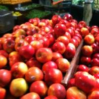 Foto tirada no(a) Horizon Vista Market por Jason L. em 6/13/2012