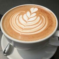8/8/2012 tarihinde Ricardo T.ziyaretçi tarafından Peregrine Espresso'de çekilen fotoğraf