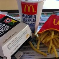 Foto tomada en McDonald's por Daniel D. el 6/14/2012