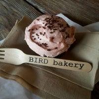 Photo prise au Bird Bakery par HajarChi le4/11/2012