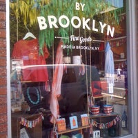 Foto tomada en By Brooklyn por Team Locallectual el 6/28/2012