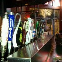 Foto tomada en Bru's Room Sports Grill - Delray Beach por Cody E. el 4/2/2012