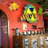 รูปภาพถ่ายที่ Tijuana Flats โดย Noelle M. เมื่อ 3/21/2012