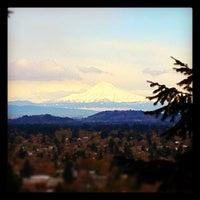 4/13/2012 tarihinde Dannon R.ziyaretçi tarafından Mt. Tabor Park'de çekilen fotoğraf