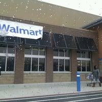 Das Foto wurde bei Walmart Supercenter von BigRoe #. am 3/2/2012 aufgenommen