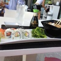 รูปภาพถ่ายที่ Zushi โดย Renata เมื่อ 8/30/2012