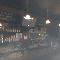 Foto tomada en The Black Bull Tavern por Omar G. el 2/18/2012
